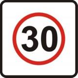 B-43 Strefa ograniczonej prędkości. Oznacza wjazd do strefy, w której obowiązuje zakaz przekraczania prędkości określonej na znaku. Znak określający dopuszczalną prędkość mniejszą lub równą 30 km/h oznacza, że umieszczone w strefie rozwiązania wymuszające powolną jazdę (progi zwalniające) mogą nie być oznakowane znakami ostrzegawczymi