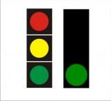 S-1 sygnał zielony Sygnalizator podstawowy - sygnał zielony. Oznacza zezwolenie na wjazd za sygnalizator, z wyjątkiem sytuacji gdy  ruch pojazdu utrudniłby opuszczenie jezdni pieszym lub rowerzystom lub ze względu na warunki ruchu na skrzyżowaniu lub za nim opuszczenie skrzyżowania nie byłoby możliwe przed zakończeniem nadawania sygnału zielo