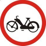 B-10 Zakaz wjazdu motorowerów. Oznacza zakaz ruchu motoroweró