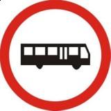 B-3a Zakaz wjazdu autobusów. Oznacza zakaz ruchu autobusów